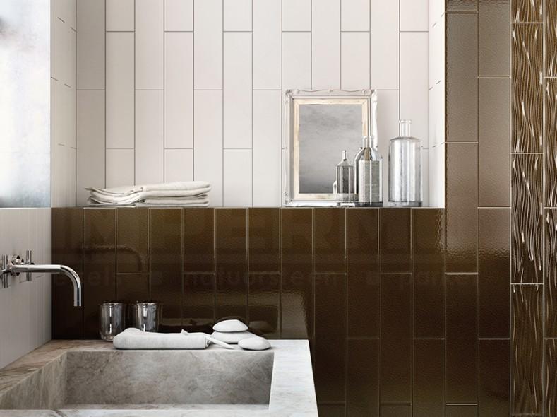 moderne keramische wandtegel in wit en metallic